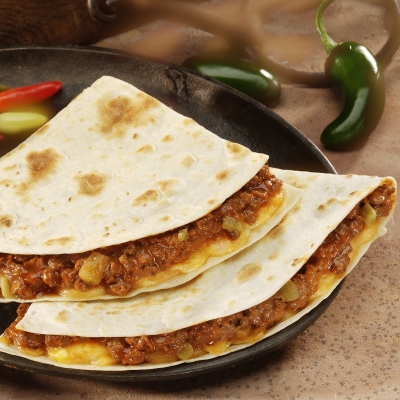 how to make quesadillas with flour tortillas